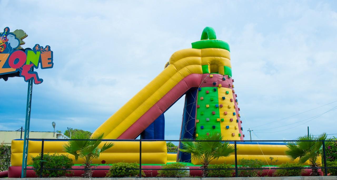 Rock Climber Inflatable w/ Single Lane Dry Slide