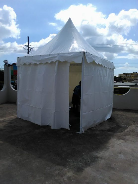 High Peak Tent – 30×30