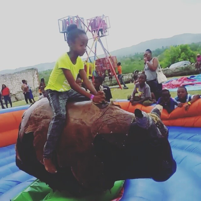 1 2 3 4 How long could you stay on - 1.. 2.. 3... 4.. How long could you stay on our Mechanical Bull.  #wildrides #pa