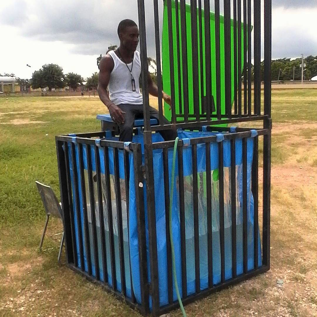 Lets kick off the Saturday with a splash, check out our compact dunk tank comple