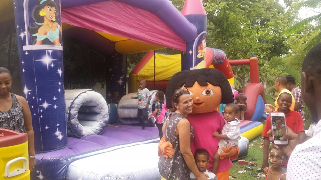 Dora is on another adventure. Do you see #peppapig inflatable bouncer? #dorathee