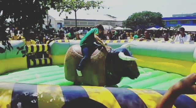 Look at this young woman conquer our mechanical bull. #partyrental #mechanicalri