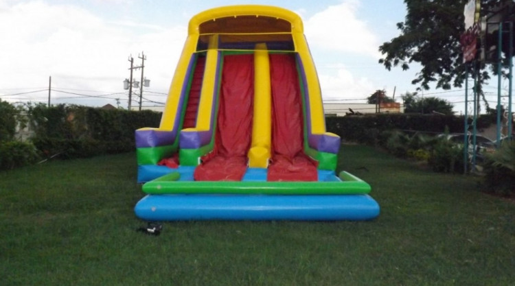 WhatsApp20Image202021 02 2820at204.59.3320PM 1614550159 big - Double Lane Side Step Waterslide